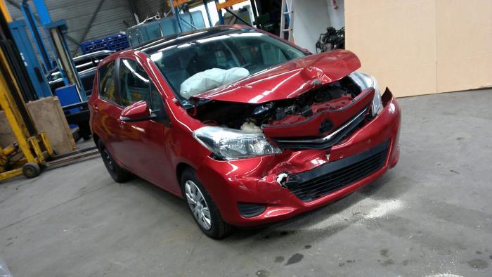 Toyota Yaris III (P13) 1.4 D-4D-F (klik op de afbeelding voor de volgende foto)  (klik op de afbeelding voor de volgende foto)