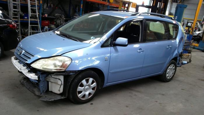 Toyota Avensis Verso (M20) 2.0 16V VVT-i D-4 (klik op de afbeelding voor de volgende foto)  (klik op de afbeelding voor de volgende foto)  (klik op de afbeelding voor de volgende foto)  (klik op de afbeelding voor de volgende foto)  (klik op de afbeelding voor de volgende foto)  (klik op de afbeelding voor de volgende foto)