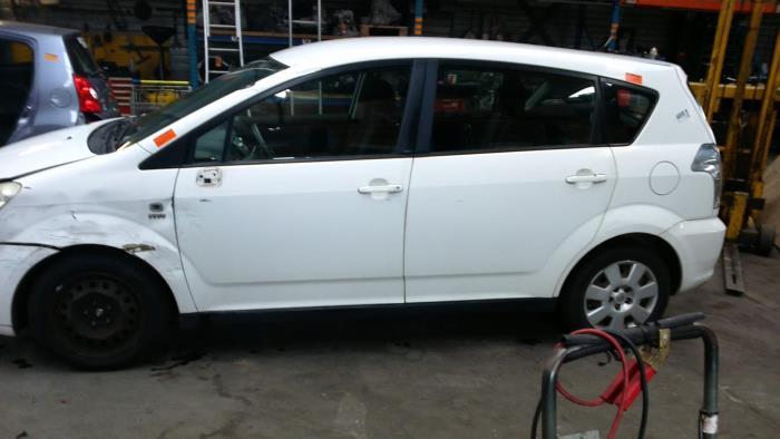 Toyota Corolla Verso (R10/11) 1.6 16V VVT-i (klik op de afbeelding voor de volgende foto)