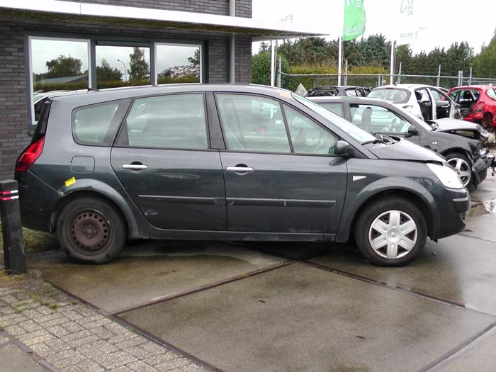 Renault Grand Scenic 1.9 dCi 130 2005-05 / 2009-03