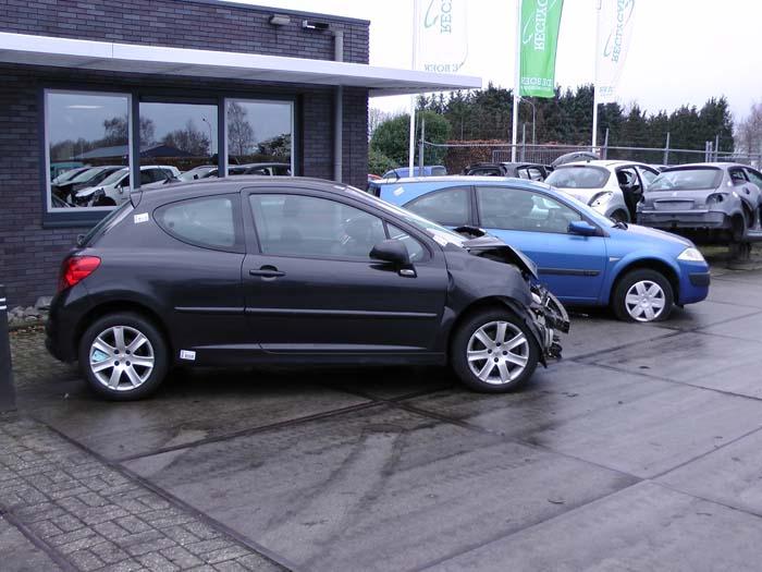 Peugeot 207 1.6 16V VTi 2007-03 / 2009-06