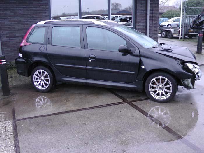 Peugeot 206 1.4 16V 2003-10 / 2007-03