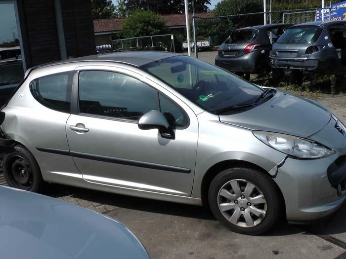 Peugeot 207 1.4 16V 2006-02 / 2013-10