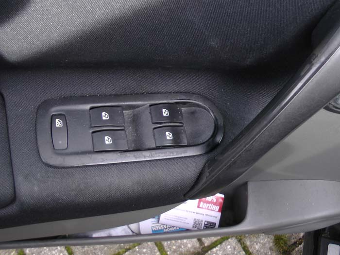Renault Grand Scenic - Bild 4 / 4