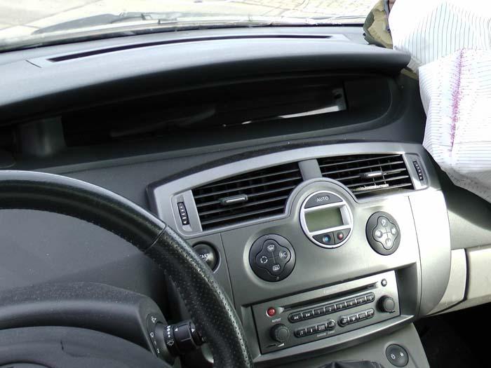 Renault Grand Scenic - Bild 3 / 4