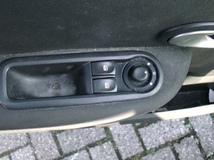 Renault Clio - Bild 3 / 4