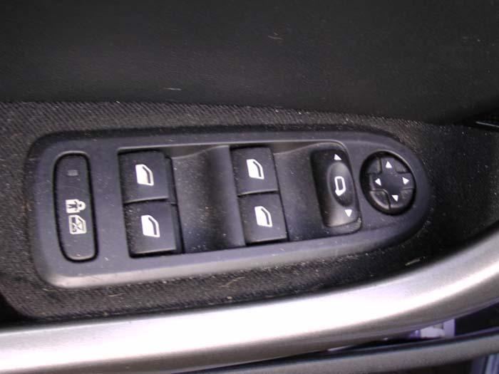 Peugeot 308 - Bild 2 / 3