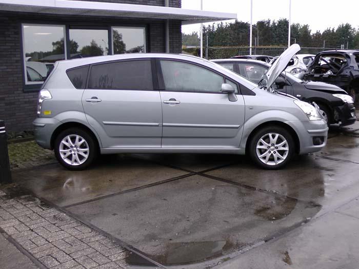 Toyota Corolla Verso 2.2 D-4D 16V 2005-10 / 2009-03