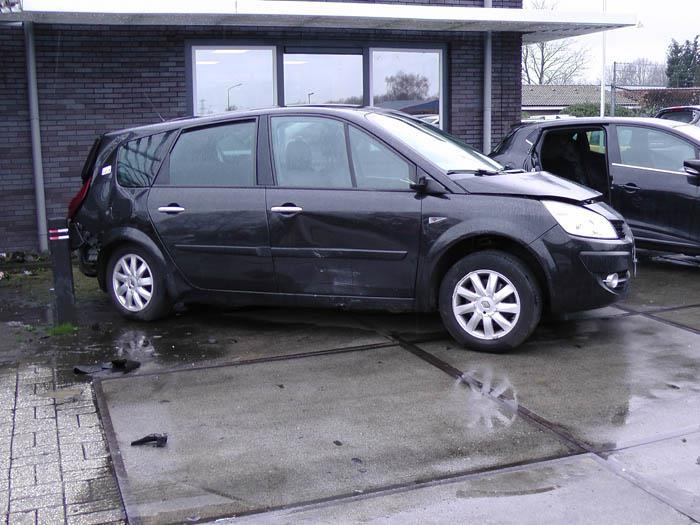 Renault Grand Scenic 2.0 16V 2004-04 / 2009-06