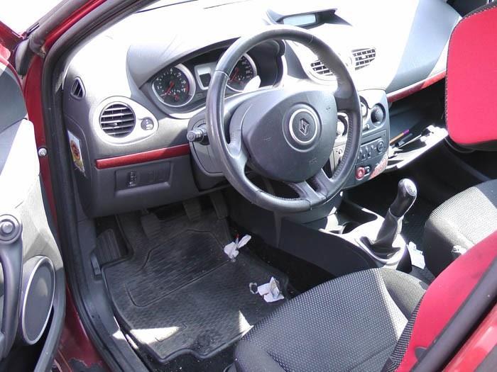 Renault Clio - Picture 3 / 3