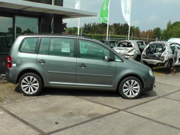 Volkswagen Touran 1.6 FSI 16V 2005-02 / 2007-01