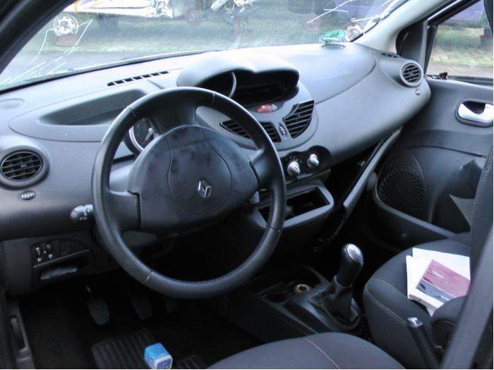 Renault Twingo - Image 4 / 4