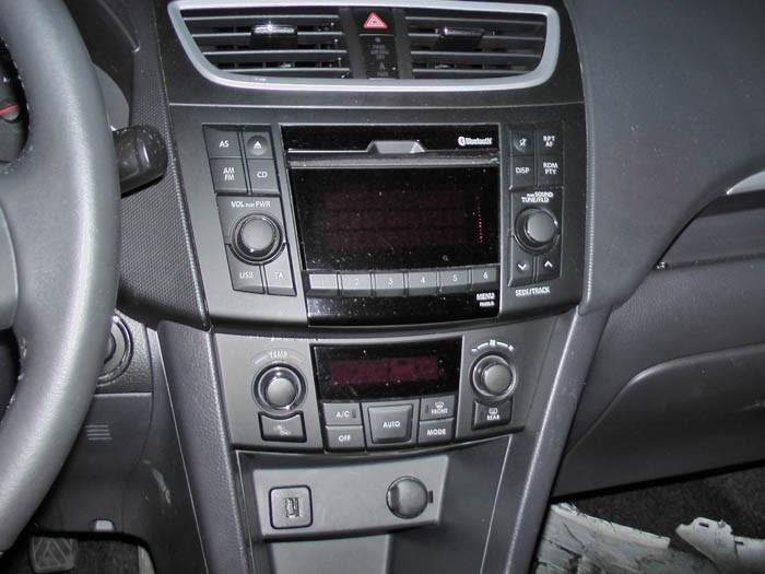 Suzuki Swift - Image 3 / 5