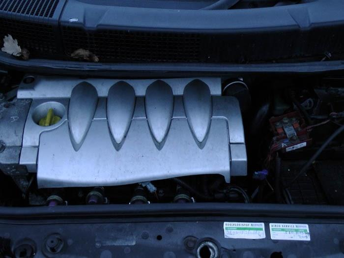 Renault Megane Scenic - Image 2 / 3