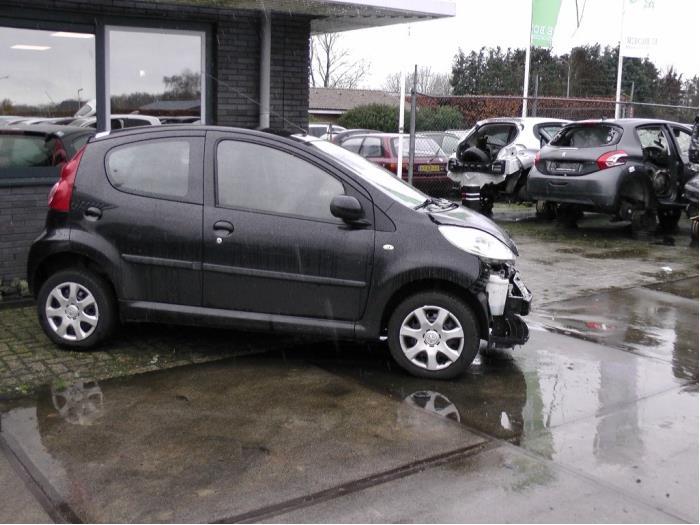 Peugeot 107 - Afbeelding 1 / 2