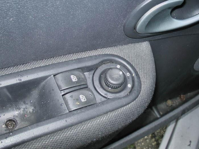 Renault Clio - Afbeelding 2 / 3