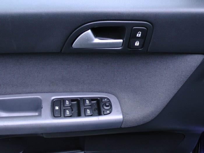 Volvo V50 - Image 4 / 5