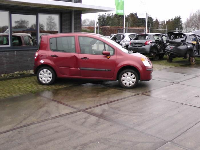 Renault Modus - Image 1 / 3