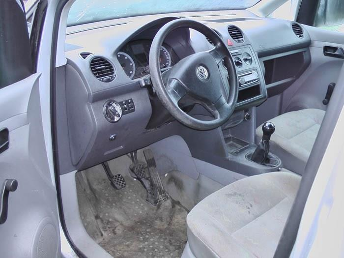 Volkswagen Caddy - Image 2 / 4