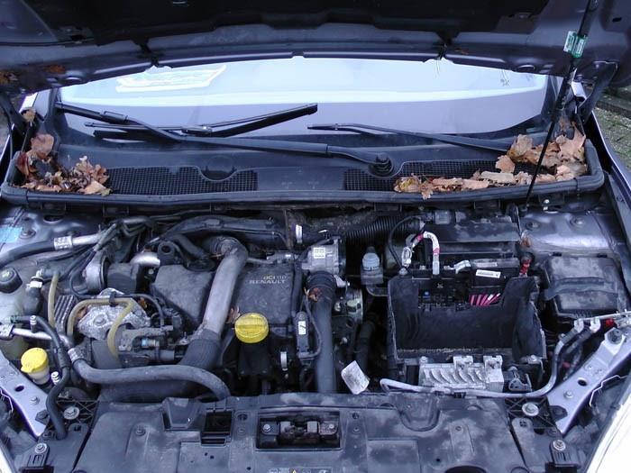 Renault Megane - Image 2 / 2