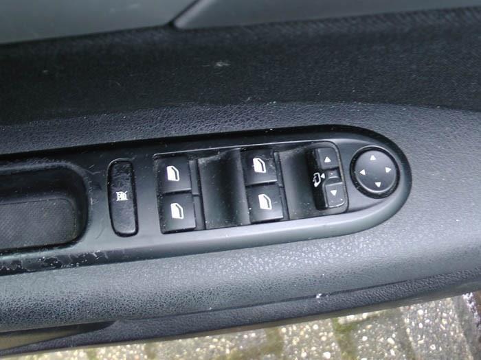 Peugeot 407 - Image 4 / 4