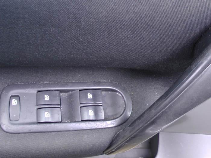 Renault Megane Scenic - Image 4 / 4