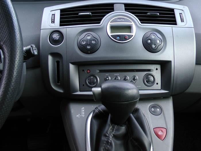 Renault Megane Scenic - Image 3 / 4