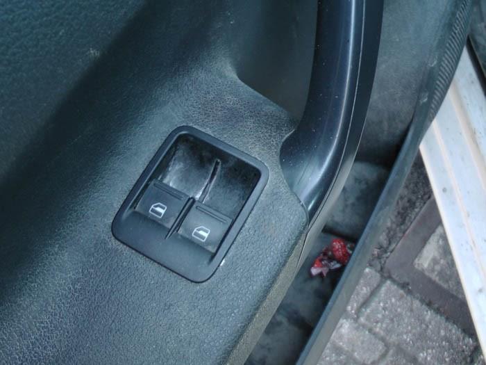Volkswagen Caddy - Picture 3 / 3