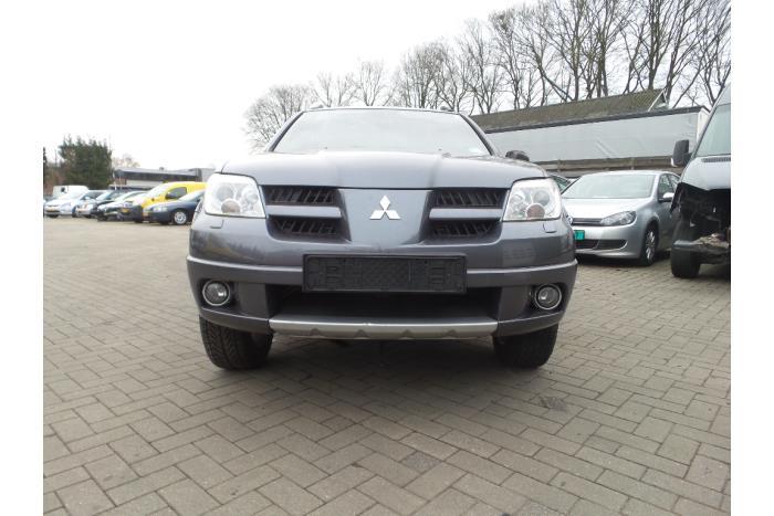 Mitsubishi Outlander 2.4 16V 4x4 2003-11 / 2006-10