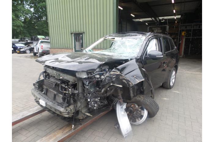 Mitsubishi Outlander 2.0 16V PHEV 4x4 2012-12 / 0-00