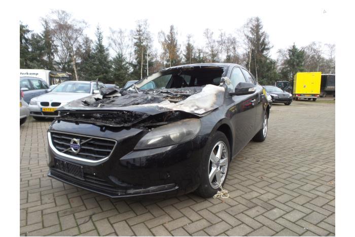 Volvo V40 2.0 D2 16V 2015-02 / 0-00