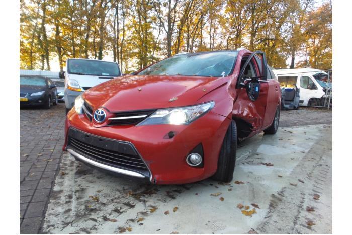 Toyota Auris 1.8 16V Hybrid 2013-07 / 0-00