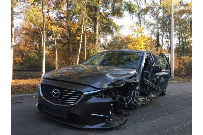 Mazda 6. 13- 2.2 SkyActiv-D 150 16V 2013-01 / 0-00
