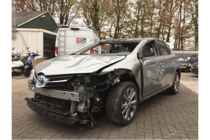 Toyota Auris 1.8 16V Hybrid 2012-10 / 0-00