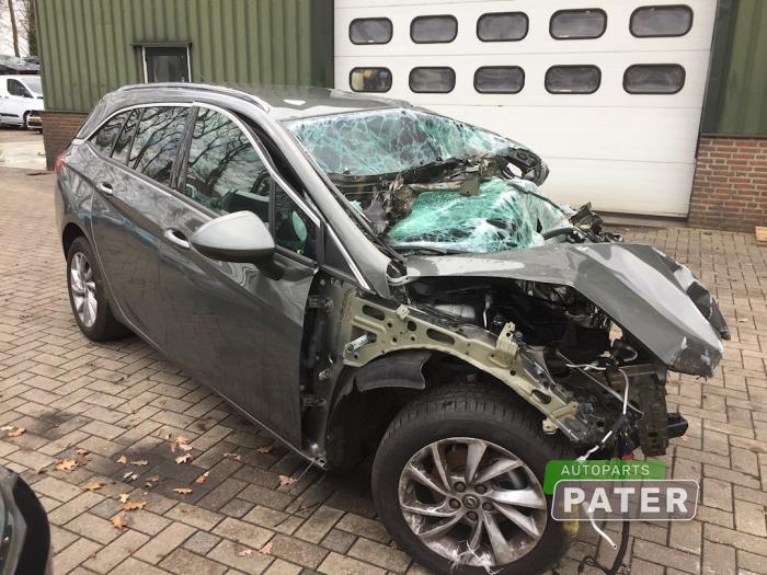 Opel Astra 1.4 Turbo 16V 2015-11 / 0-00
