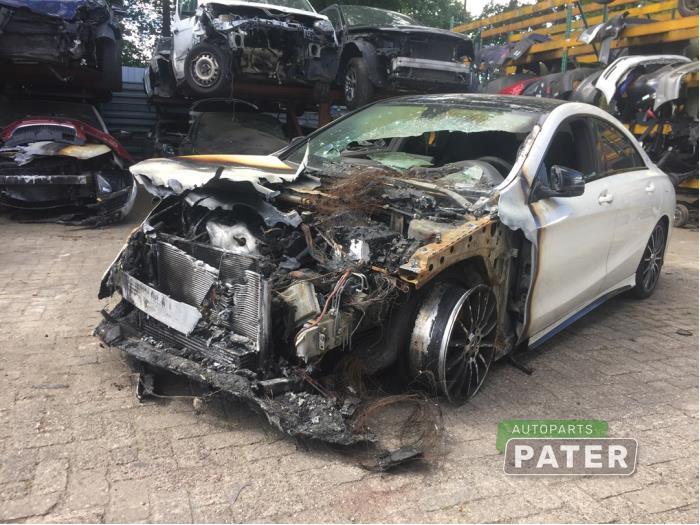 Mercedes CLA 1.6 CLA-180 16V 2013-01 / 2019-03