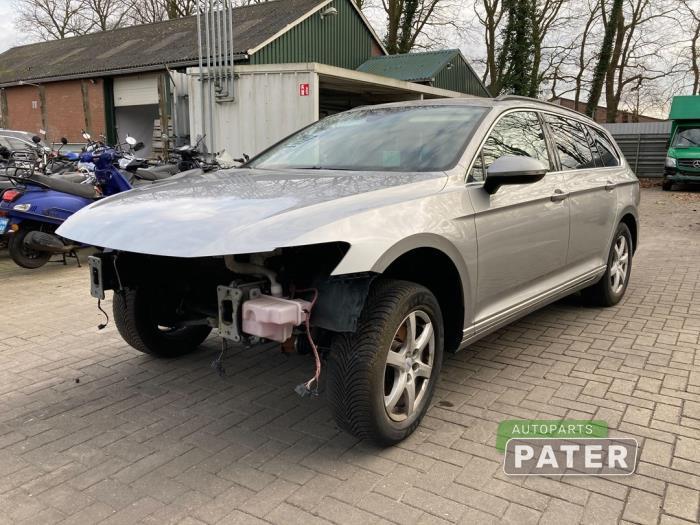 Volkswagen Passat 15- 2.0 TDI 16V 150 2014-11 / 0-00