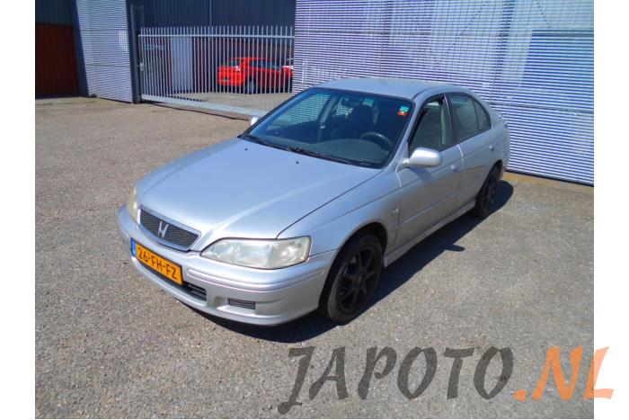Honda Accord 2000 - large/1ea3a93a-a3f7-4d63-9e80-67a440c3946c.jpg