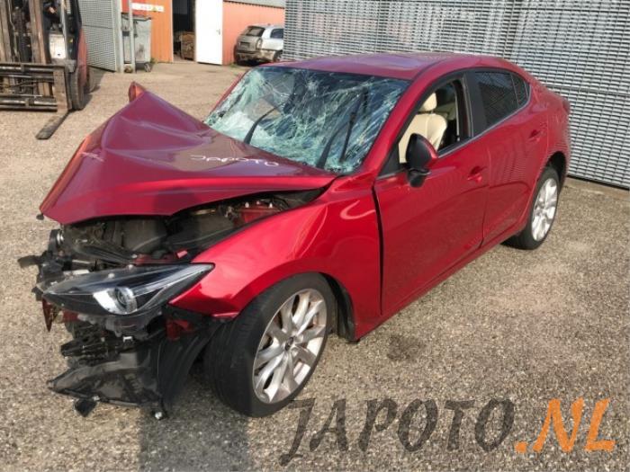 Mazda 3. 2016 - large/88b4c7c6-f740-4f18-8165-2e288d69d8e0.jpg