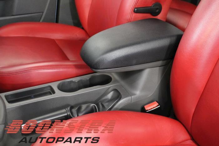Ford Focus II Wagon, Combi, 2004 / 2012<br><small>1.8 16V, Combi/o, Benzine, 1.798cc, 92kW, FWD, Q7DA; EURO4, 2006-03 / 2012-09</small>