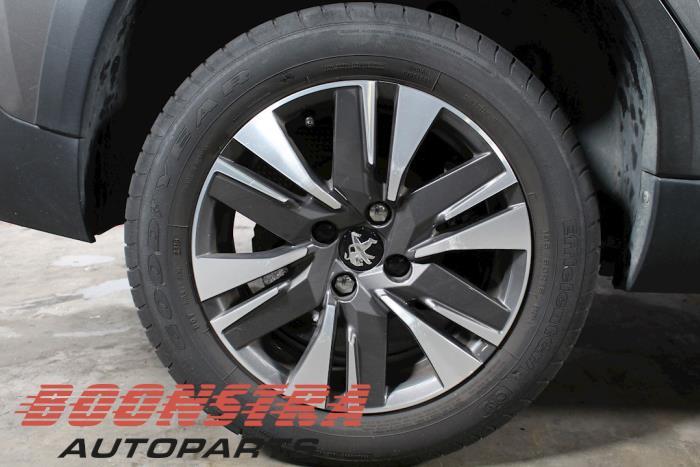 Peugeot 2008 (CU), MPV, 2013 / 2020<br><small>1.2 12V e-THP PureTech 110, MPV, Benzine, 1.199cc, 81kW, FWD, EB2DT; HNZ, 2015-01 / 2020-12, CUHNZ</small>