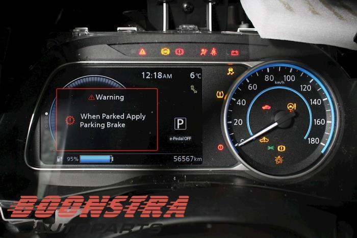 Nissan Leaf, Hatchback, 2010<br><small>Leaf 40kWh, Hatchback, Elektrisch, 110kW, FWD, EM57, 2017-08, ZE1AA01; ZE1AA02</small>