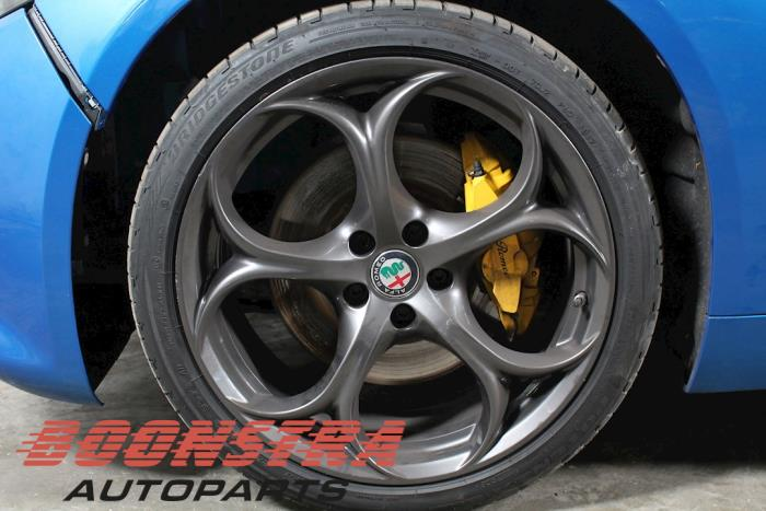 Alfa Romeo Giulia (952), Sedan, 2015<br><small>2.0 T 16V Veloce Q4, Sedan, 4Dr, Benzine, 1.995cc, 206kW, 4x4, 55273835, 2016-08, 952ACA4</small>