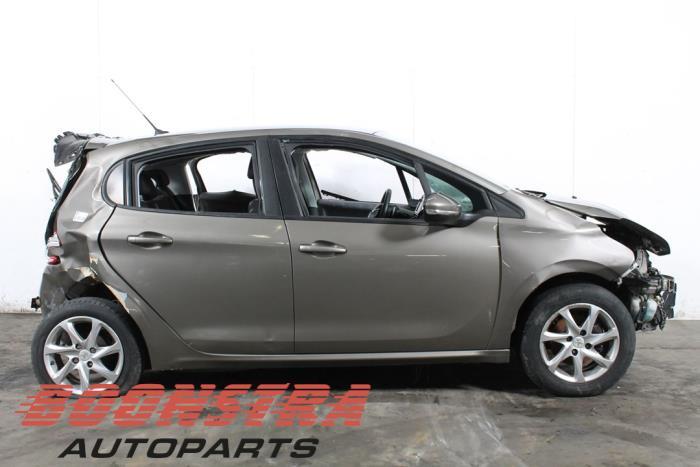 Peugeot 208 (CA/CC/CK/CL), Hatchback, 2012 / 2019<br><small>1.4 HDi, Hatchback, Diesel, 1.398cc, 50kW, FWD, DV4C; 8HP, 2012-03 / 2019-06, CA8HP; CC8HP</small>