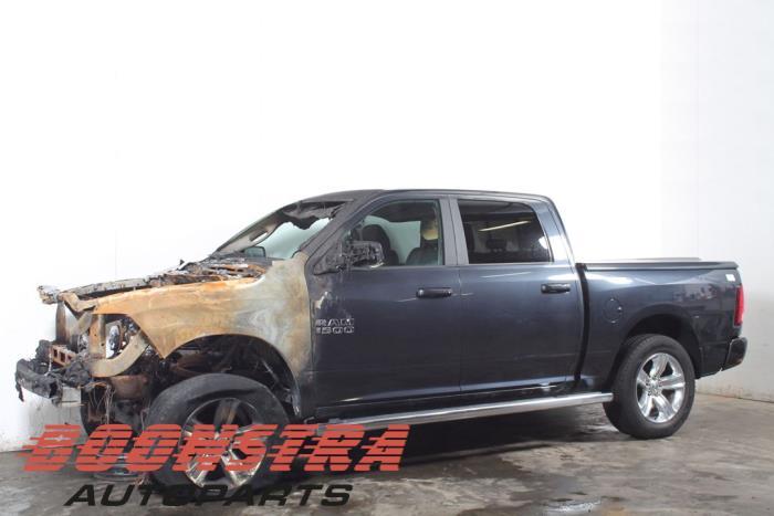 Dodge RAM 5.7 Hemi V8 4x4 2012-09 / 0-00