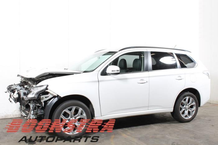 Mitsubishi Outlander 12- 2.0 16V PHEV 4x4 2012-12 / 0-00