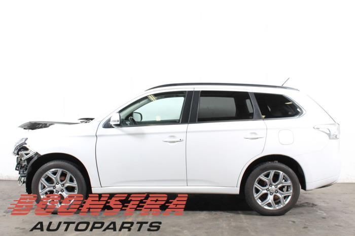 Mitsubishi Outlander (GF/GP), SUV, 2012<br><small>2.0 16V PHEV 4x4, SUV, Elektrisch Benzine, 1.998cc, 89kW (121pk), 4x4, 4B11, 2012-12, GGP2</small>