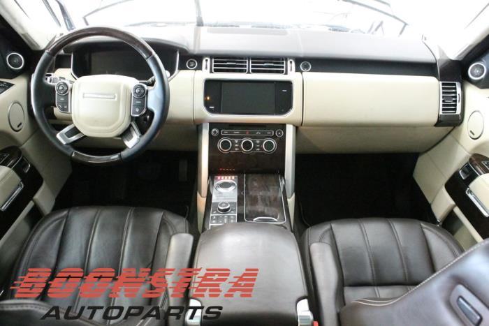 Landrover Range Rover IV (LG), Terreinwagen, 2012<br><small>4.4 SDV8 32V, Jeep/SUV, Diesel, 4.367cc, 250kW (340pk), 4x4, 448DT, 2012-08, LGA2BJ; LGA2FJ; LGA3FJ; LGL5LZ; LGS5LZ</small>
