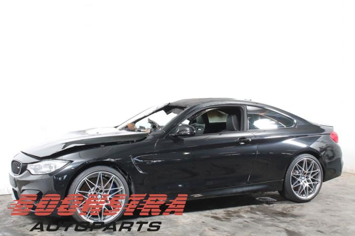 BMW 4-Serie 13- M4 3.0 24V Turbo Competition Package 2016-03 / 2020-10