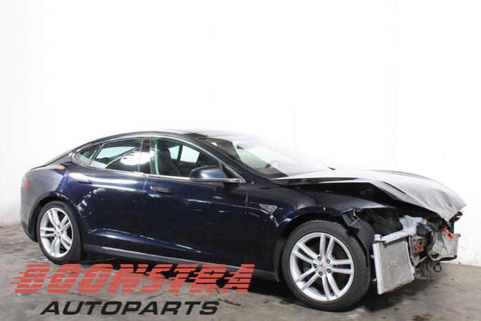 Tesla Model S, Liftback, 2012<br><small>85, Liftback, Elektrisch, 270kW (367pk), RWD, L1S, 2012-09 / 2016-02</small>